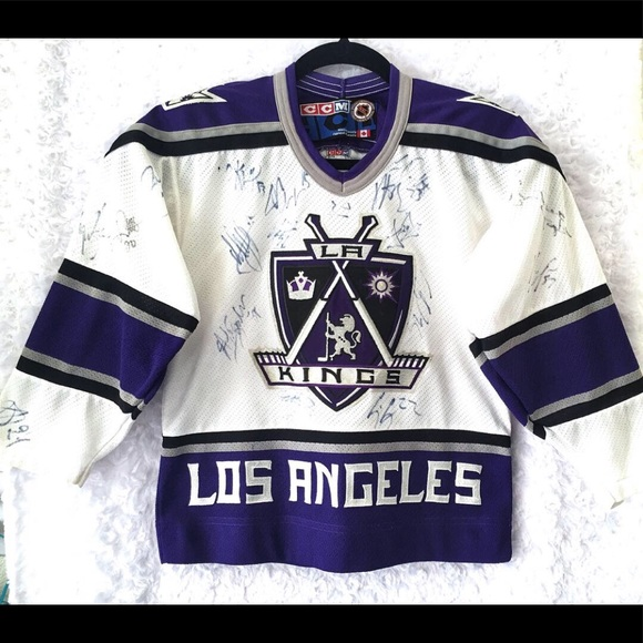 timeless design 9d8c6 d812b LA Kings Youth Jersey Signed by the Team
